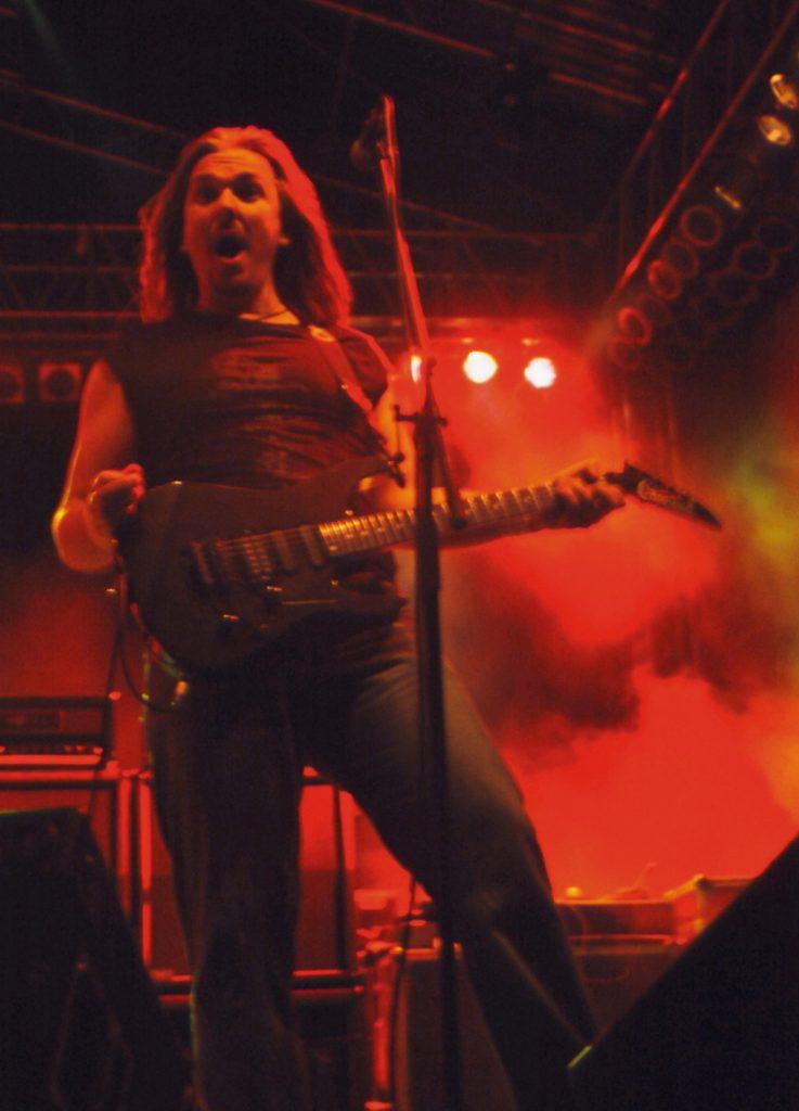 Simon Lees Rock Star Pose Lublin 2004